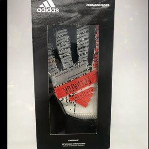Adidas Predator Pro FS Soccer Goalkeeper Gloves